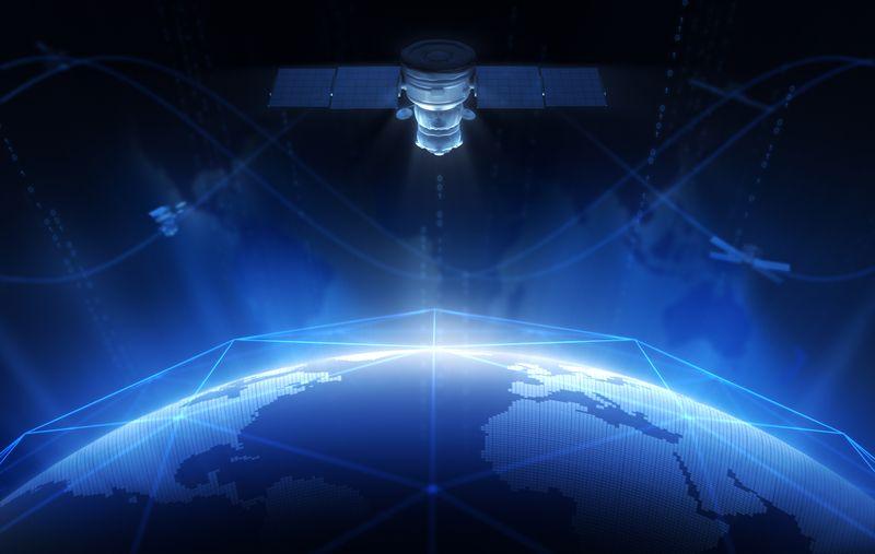 vía satelite